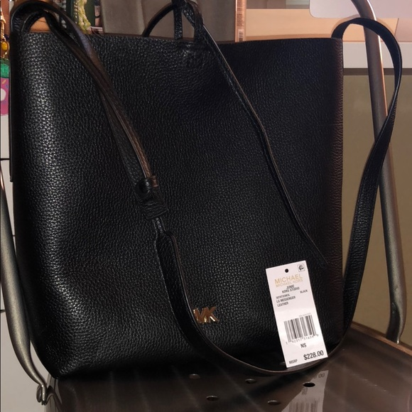 Michael Kors Junie large Messenger
